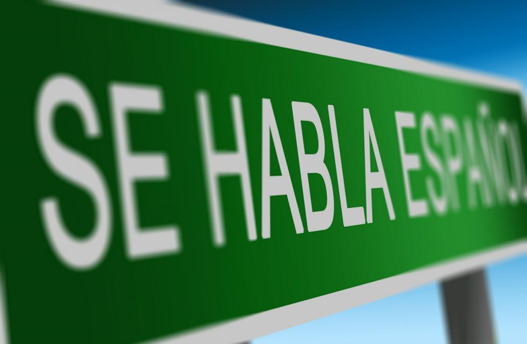 Zasięg języka hiszpańskiego i różnice w dialektach