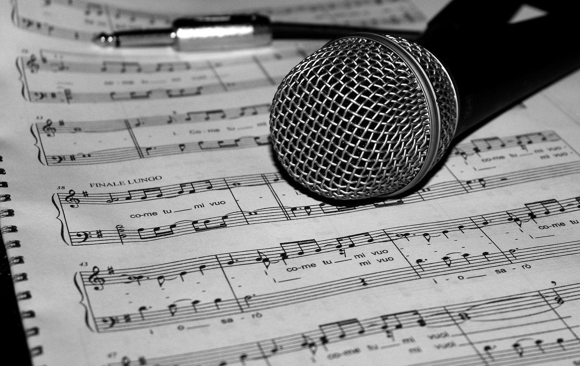 tłumaczenia piosenek